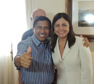 Carlito recebe a confirmação da governadora.