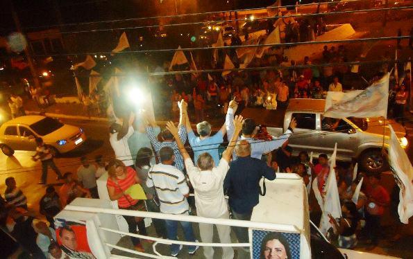Eleitores prestigiam inauguração do comitê.