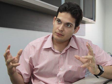 Candidato a prefeito Alexandre Almeida.