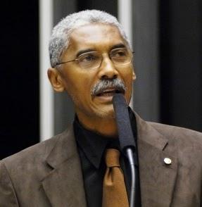 Deputado Domingos Dutra.