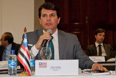Secretário Fábio Gondim no Fórum do Consad