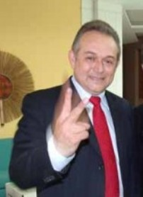 Roberto Feitosa.