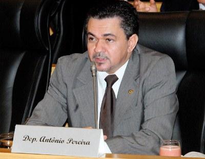 Antônio Pereira.