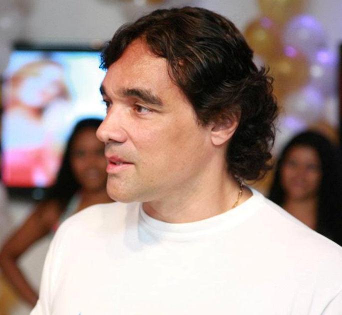 O senador Edinho Lobão.