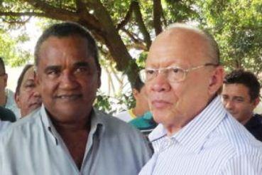 Zé Alberto ao lado do seu padrinho político, o senador João Alberto que faz parte do clã Sarney.