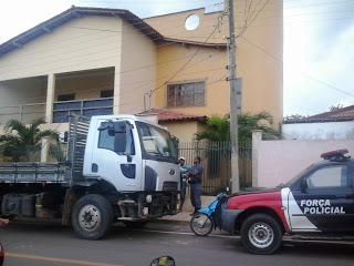 Polícia na casa do ex-preeito Dr. Roque Portela.
