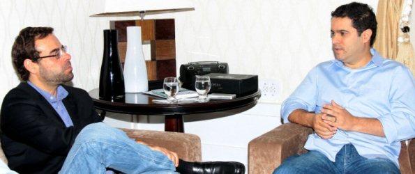 Ministro do Trabalho em conversa com Edivaldo Holanda Júnior.