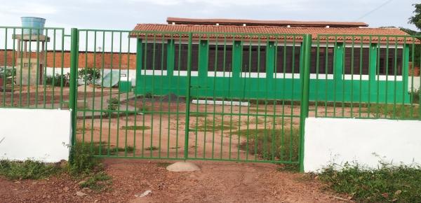 Creche Municipal Embala Bebê, de onde sai a água