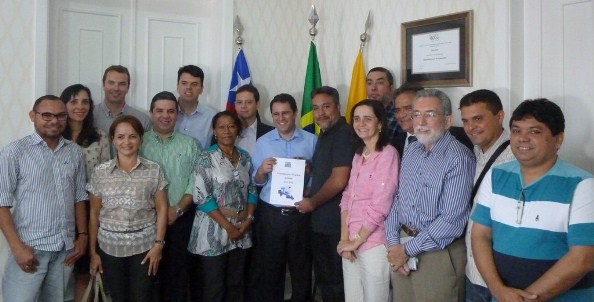 Efivaldo Holanda Júnior recebe membros do Movimento Nossa Sao Luís.