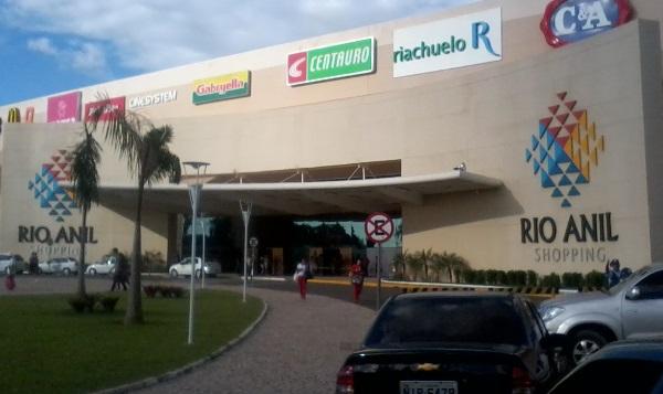 Rio_Anil_Shopping_-_Junho_2011