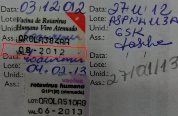 Vencida em agostoe aplicada em dezembro,a validade da vacina foi circulada de vermelho.