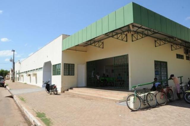 No Hospital do Parque Alvorada a falta dágua é constante e pacientes tem que beber água de casa