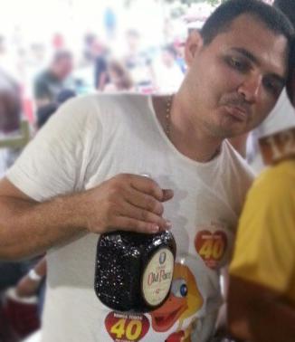 Sobrinho do prefeito, João Ricardo é presidente da comissão de licitação.