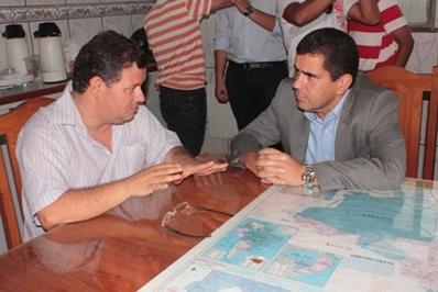 Secretário Ricardo Guterres conversa com prefeito de Carolina, Ubiratan Jucá