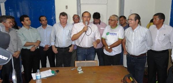 O secretário do governo Roseana, Antônio Hiluy deixou de convidar o deputado Rigo Teles na entrega da Agência do Sine.