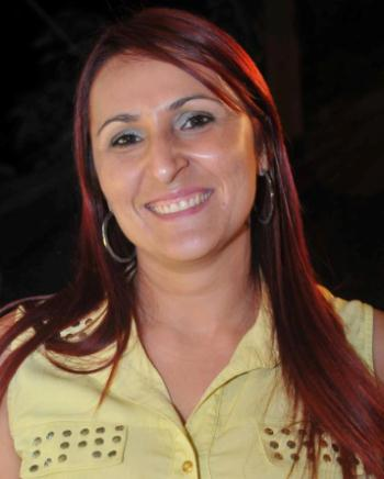 secretária de educação, Nayla Cardoso Costa.