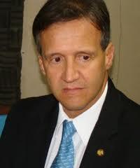 Secretário de Segurança Aluísio Mendes.