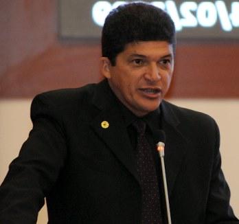 Deputado Marcos Caldas.