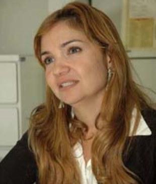 A delegada e esposa de Zé Reinaldo.