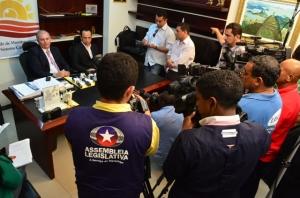 Desembargador Froz Sobrinho e o juiz Roberto de Paula prestam esclarecimentos sobre matéria do Fantastico