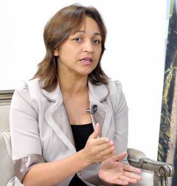 Eliziane Gama apoiará Luis Fernando em troca do apoio do Palácio para disputar Prefeitura de São Luís em 2016.