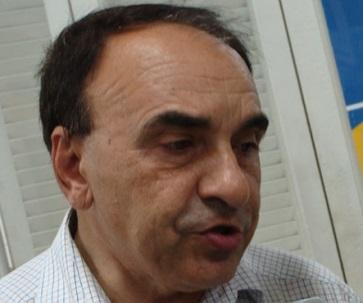Enrolado com a Justiça, prefeito Sebastião Madeira é acusado de improbidade administrativa.