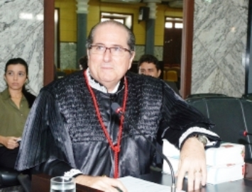 Ricardo Duailibe: o desembargador e corretor de imóveis.