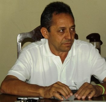 Prefeito Juran Carvalho.