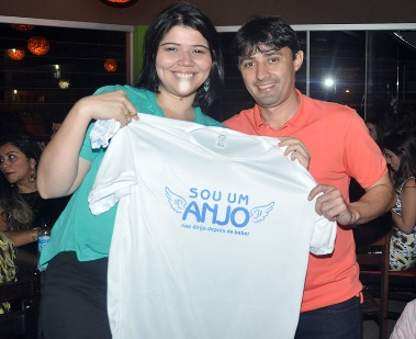 André Campos fez a entrega de camisa do Anjo para condutora amiga da vez em Imperatriz
