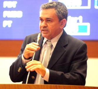 Antonio Pereria lutou para asfaltar a Estrada do Arroz.
