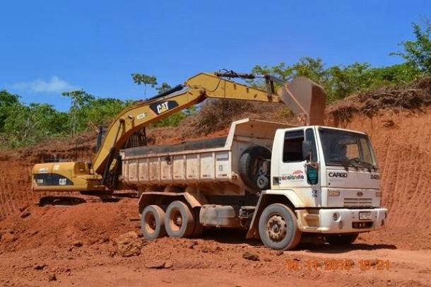 GLEIDE RANCH Prefeita pode ter usado caçamba pertencente ao município para 'reformar' a própria fazenda. Foto: Divulgação
