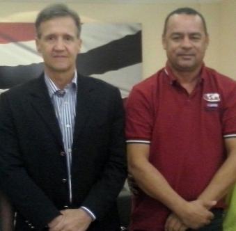 Aluísio Mendes ao lado do prefeito de Bacuri.