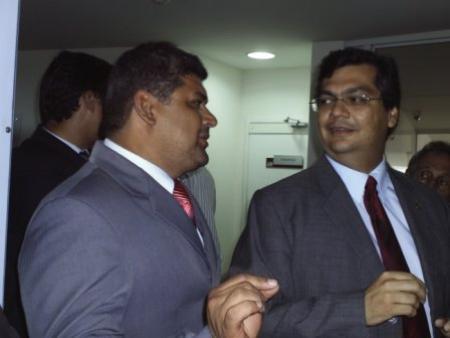 Secretário Geraldo Castro ao lado de Flávio Dino.