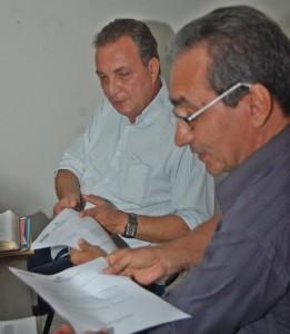 Foto 2 - Secretário Luis Fernando, ao lado do prefeito Raimundo Damasceno, anuncia pavimentação em Igarapé do Meio,