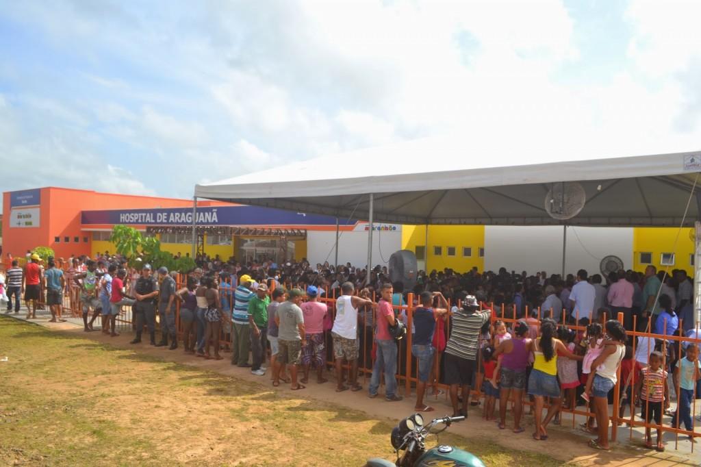 População de Araguanã presente na inauguração do Hospital.