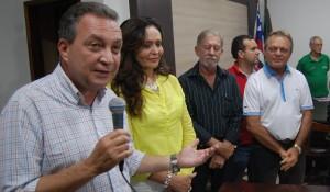 Luis Fernando na Prefeitura com a prefeita Gleide.