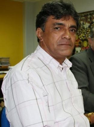 Prefeito Júnior Franco.