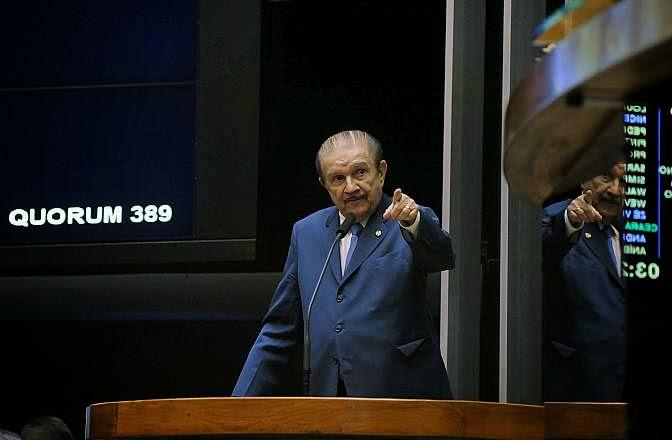 Deputado Mauro Benevides PMDB/CE