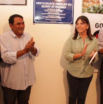 Prefeito de Paço do Lumiar ao lado da governadora Roseana Sarney.