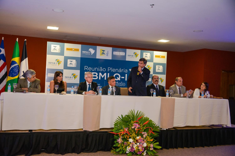 Presidente do Inmeq discursando.