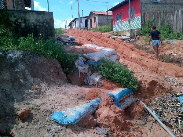 Rua principal do bairro Atemir Botelho.