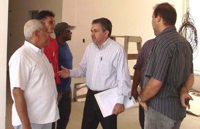Antonio Pereira em visita a Senador La Roque.