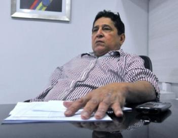 Secretário Canindé Barros.