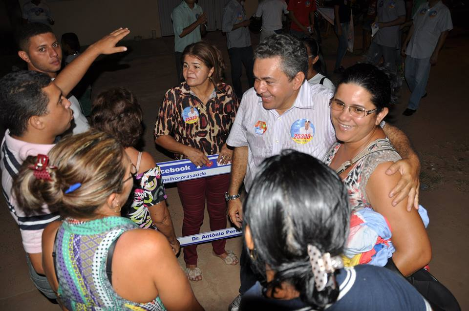 Com a vereadora Terezinha Soares e eleitores.