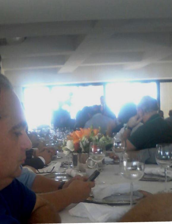 Deputados reunidos no apartamento de Humberto Coutinho. (foto:blog do Neto Ferreira)