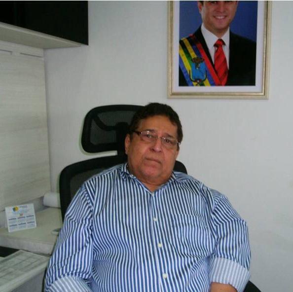 Canindé Barros, o secretário família.