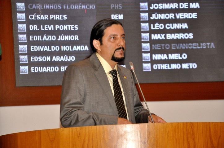 Deputado Júnior Verde.