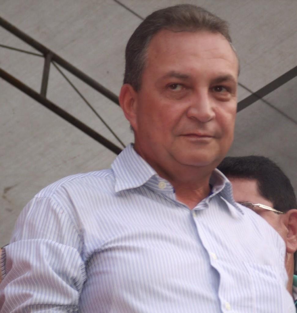 Luis Fernando se viabiliza como pré-pcandidato.