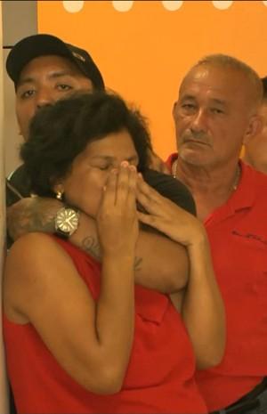 Reféns foram mantidos sob a mira dos bandidos por mais de uma hora (Foto:Rep/ TV Mirante)