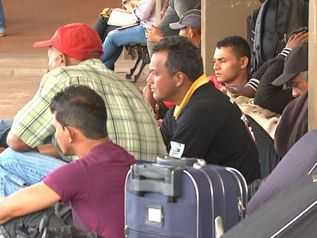 Trabalhadores que deixaram Maranhão com promessa de emprego em São Paulo se dizem enganados (Foto: Reprodução/ EPTV)